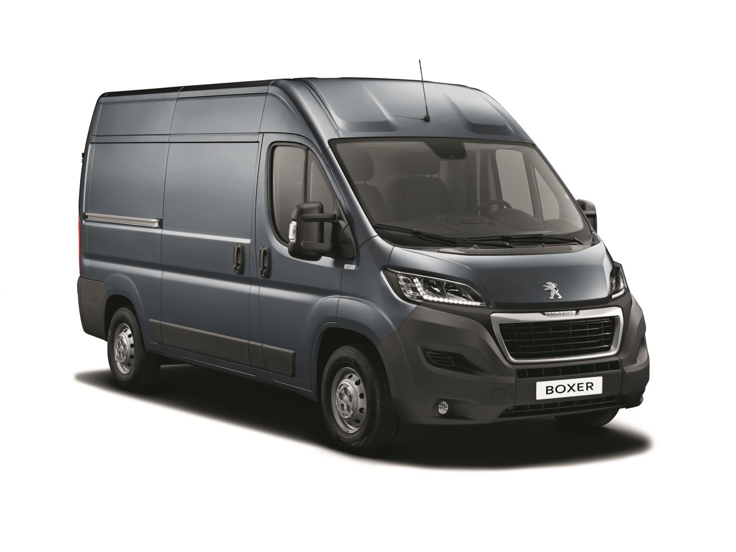 peugeot boxer gets bluehdi technology. Black Bedroom Furniture Sets. Home Design Ideas